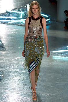 Rodarte Wiosna 2015 prêt-à-porter Collection Zdjęcia - Vogue New York Fashion, Ny Fashion Week, Runway Fashion, Spring Fashion, High Fashion, Fashion Show, Luxury Fashion, Womens Fashion, Fashion Design