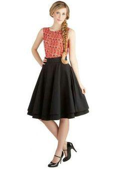 Essential elegance skirt in black
