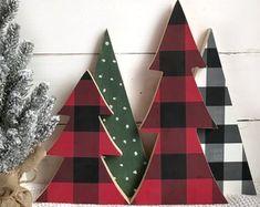 Ideas For Farmhouse Christmas Tree Buffalo Check Types Of Christmas Trees, Christmas Tree Set, Christmas Pictures, Rustic Christmas, White Christmas, Christmas Ornaments, Christmas Vignette, Christmas 2019, Christmas Runner