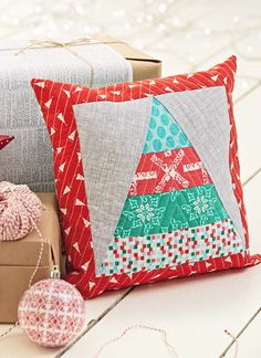 Christmas Tree cushion by Judith Dahmen for Issue 14 of Love Patchwork & Quilting magazine
