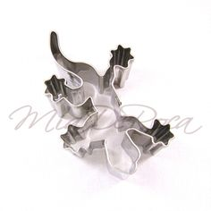 Biscuit Cutter Gecko and Salamander - rare cookie cutters and exceptional baking euqipment MiaDeRoca Webshop Salamander, Shops, Cookie Cutters, Biscuits, Cookies, Baking, Accessories, Things To Sell, Woodland Forest