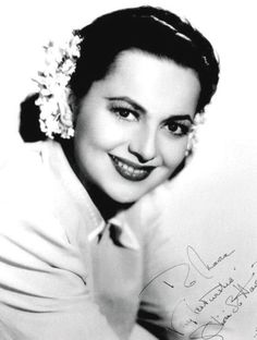 Picture of Olivia de Havilland Olivia De Havilland, Old Hollywood Movies, Old Hollywood Glamour, British Actresses, Actors & Actresses, Joan Fontaine Sister, Errol Flynn, British American, Feature Film