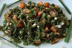 Zahter salatası tarifi... Taze dağ kekiğiyle yapılan bu salatayı taze kekiğin satılmaya başladığı bu günlerde mutlaka deneyin. http://www.hurriyetaile.com/yemek-tarifleri/salata-tarifleri/zahter-salatasi-tarifi_91.html