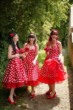 The more I see the Red & white polka dot Rockabilly Bridesmaids Dresses the more I like em....