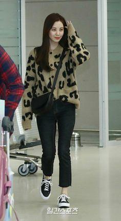 Kim Hyoyeon, Sooyoung, Yoona, Snsd Fashion, Fashion Idol, Kpop Girl Groups, Kpop Girls, Airport Style, Airport Fashion