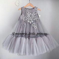 Best 12 Baju anak – Page 798896421384084466 Little Dresses, Little Girl Dresses, Girls Dresses, Flower Girl Dresses, Dresses Dresses, Little Girl Fashion, Kids Fashion, Robes Tutu, Kids Gown