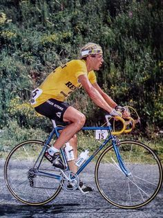 Laurent Fignon, Vintage Sport, Pro Cycling, Cyclists, Cycling Outfit, Furs, Road Bike, Wolf, Bicycle