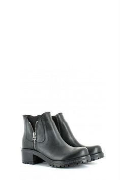 Tronchetto in pelle nera con elastici laterali e zip esterna 36c82ac7872