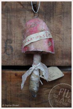 Nostalgische Wattefigur Pilz Valentinstag spun cotton ornament Cotton Batting Mushroom Toadstool Ornament, Victorian Scraps, Valentine´s Day, Heart, Love, Vintage scraps, Die cuts, Nostalgic Decoration, Spun Cotton Ornament