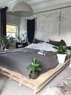 binnenkijken bij jellinadetmar Home Decor Bedroom, Master Bedroom Makeover, House Design, Room Inspiration, Rustic Apartment, Home Decor, Boho Bedroom Decor, Apartment Decor, Home Deco