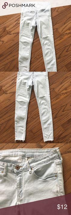 H&M light blue skinny jeans H&M light blue raw edge hem skinny jeans H&M Jeans Skinny