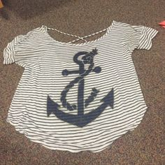 Casual top with anchor White top with blue stripes and anchor Forever 21 Tops Tees - Short Sleeve