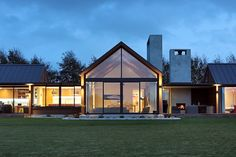 Invercargill House, Southland by Mason & Wales Architects Big Windows, House Windows, New Zealand Architecture, House Architecture, Modern Barn House, Wales, New Zealand Houses, Modern Farmhouse Exterior, Dream House Exterior