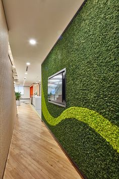 Matching diverse needs across the business and drive internal collaboration in this spacious office, which is split over two levels into two towers with a bridge connection Green Walls, Towers, Collaboration, Connection, Bridge, Science, Business, Tours, Bridge Pattern
