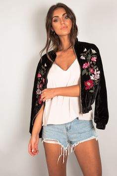 ONE AND ONLY EMBROIDERED JACKET - Dissh