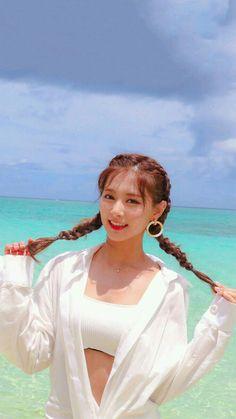 Twice - Tzuyu Nayeon, Kpop Girl Groups, Korean Girl Groups, Kpop Girls, Tzuyu Body, Snsd Yuri, Tzuyu Wallpaper, Twice Album, Jihyo Twice