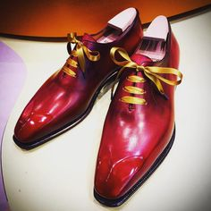 Luxurious red patina on Casanova #corthay #maisoncorthay #shoes #color #casanova #luxurious #patina #iconic #paris #style #fashion #gentleman #inspiration #luxury #luxe #beautiful #sophisticated #footwear #red #choice #chic #spotlight #gold #紳士靴 #靴 #スタイル #足元倶楽部 #足元くら部