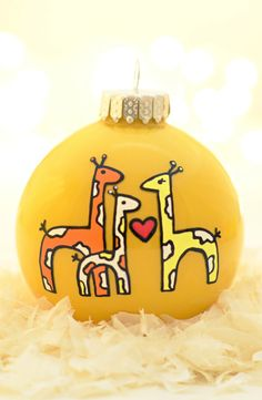 Christmas giraffe ornament Want this but elephants! Looks like I've got a new project