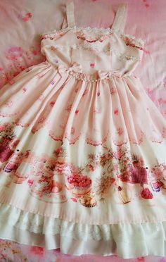 --> ~~Tea Time in Bordeaux~ Lolita JSK Selfies --> Only 2 dresses LEFT (✈can be shipped out within 24 hours✈)