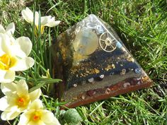 For Self Confidence & Negative Energy Busting - Elite Shungite, Steampunk Orgonite pyramid. by OrgoneJewelsUK on Etsy Self Confidence, Steampunk, Workshop, Stuff To Buy, Etsy, Atelier, Confidence, Self Esteem