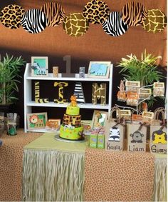 Mariposa Event Decor 's Birthday / Safari - Photo Gallery at Catch My Party Jungle Theme Birthday, Safari Theme Party, Jungle Party, Animal Birthday, Baby Party, Baby Birthday, 1st Birthday Parties, Jungle Safari, Birthday Ideas