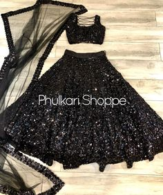 Pakistani Fashion Party Wear, Indian Fashion Dresses, Dress Indian Style, Pakistani Outfits, Indian Outfits, Pakistani Lehenga, Black Lehenga, Bridal Lehenga, Fancy Dress Design