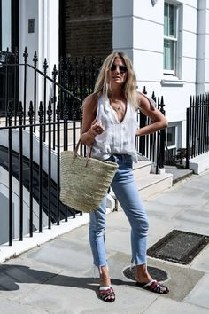 Photo (chanel bags and cigarette drags) Style Outfits, Cute Outfits, Fashion Outfits, Women's Fashion, Fashion Me Now, Beach Fashion, Cooler Stil, Looks Style, Look Chic