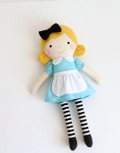 Alicia en la muñeca de trapo de país de las maravillas. por blita