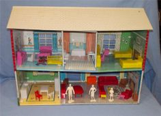 Marx playset doll house with furniture and vintage Marx figures
