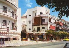 1964 - El Torremolinos de los años 50,60 y 70. Boutique Don Miguel, a la izquierda, junto  al  Pasaje Zacatín, en el centro.