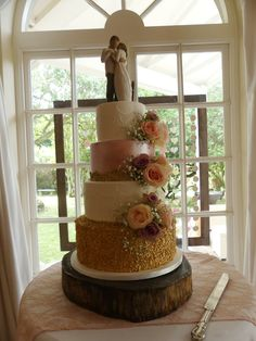 bride and groom topper wedding cake Forest Wedding, Wedding Season, Wedding Cakes, Groom, Weddings, Bride, Desserts, Wedding Gown Cakes, Wedding