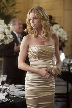 Emily Van Camp as Emily Thorne Revenge Emily Thorne, Fashion Tv, Fashion Beauty, Gold Dress, Dress Up, Les Hamptons, Revenge Fashion, Pin Up, Emily Vancamp
