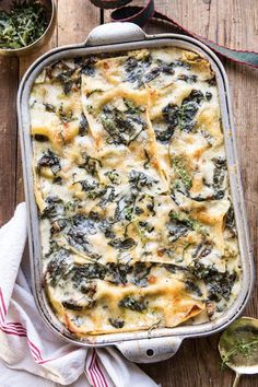 white pesto spinach lasagna - December 22 2018 at - Amazing Ideas - and Inspiration - Yummy Recipes - Paradise - - Vegan Vegetarian And Delicious Nutritious Meals - Weighloss Motivation - Healthy Lifestyle Choices Pesto Spinach, Spinach Lasagna, Basil Pesto, Chicken Lasagna, Lasagne Pesto, Lasagna Noodles, Veggie Lasagna, Spinach And Mushroom Lasagna, Vegetarian Lasagna Spinach