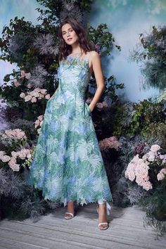 Marchesa Notte Spring 2021 Ready-to-Wear Collection - Vogue Marchesa, English Fashion, Vogue Russia, Fashion Show Collection, Fashion Labels, Mannequins, Vogue Paris, Ready To Wear, Strapless Dress