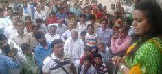 पुलिस ने उखाड़ा दलित नेत्री प्रीता हरित का टेंट, चबूतरे पर की सभा