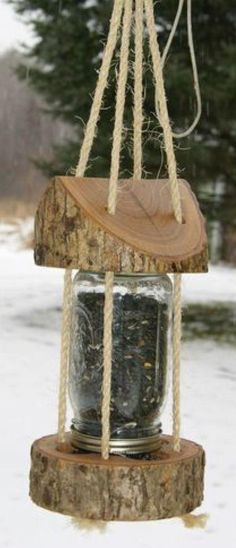 bird house feeder Mason Jar Log Bird Feeder: 9 Steps (with Pictures) Outdoor Projects, Garden Projects, Wood Projects, Projects To Try, Garden Ideas, Mason Jar Crafts, Mason Jars, Woodworking Plans, Woodworking Projects