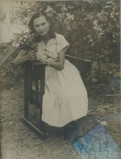 """rif. """"la bendiccion"""" my abuela Hilda Estrada por mitad española y por mitad venezolana. apasionada de metafísica y de los extraterrestres  9 hijos y 24 nietos"""
