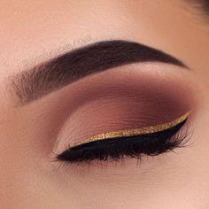 Three Essential Make Up Tips: Eyeliner Eyeliner Make-up, Eyebrow Makeup, Skin Makeup, Black Eyeliner, Makeup Eyeshadow, Makeup Brushes, Airbrush Makeup, Denitslava Makeup, Gold Glitter Eyeliner