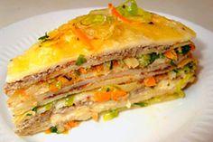 Закусочный блинный торт с луком-пореем и шпротным паштетом
