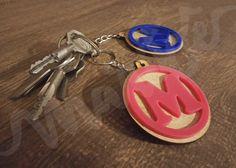 Chaveiro personalizável, perfeito para usar no molho de chaves da sua casa  ou dar de lembrancinha de aniversário ou festa. Você pode personalizar com  a ... 7c1222374d