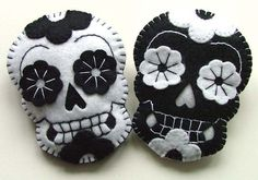 PAIR Day of the Dead Wedding Boutonnieres por TheDollCityRocker