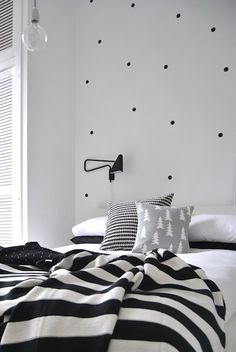 design polka dots polkadot black and white kids room bedroom design