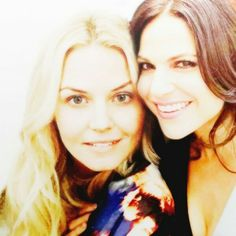 Awesome Lana and Jen (Regina and Emma on Once) Regina And Emma, Ouat Cast, Swan Queen, Regina Mills, Jennifer Morrison, Emma Swan, Love Memes, Ever After, Once Upon A Time