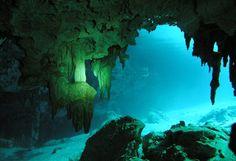 Underwater-Caves-of-El-Jacinto-Pat.jpg (574×392)