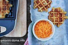 КАРТОФЕЛЬ + ЧЕДДЕР = КАРТОФЕЛЬНЫЕ ВАФЛИ / POTATO + CHEDDAR = WAFER.  Что вы делаете с остатками картофельного пюре на утро? Есть неожиданное решение! Вафли из вчерашнего пюре, с сыром чеддер. Немного зелени, цельнозерновой муки, яиц и специй. Вот и готовый завтрак который зарядит вас на первую половину дня энергией. P.S. Если нет вафельницы, смело жарьте на сковороде. Корочка будет такая же красивая и хрустящая, но без сеточки.