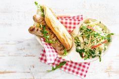 Hotdog met zomerse zuurkoolsalade - Recept - Allerhande