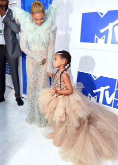 MTV VMAS 2016 Red Carpet: See the Best Looks from the Video Music Awards…