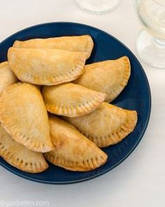 Beef and Chorizo Empanadas. How to make buttery and savory beef and chorizo empanadas. Norwegian Cuisine, Norwegian Food, Pork Recipes, Snack Recipes, Cooking Recipes, Snacks, Recipies, Swedish Recipes, Mexican Food Recipes