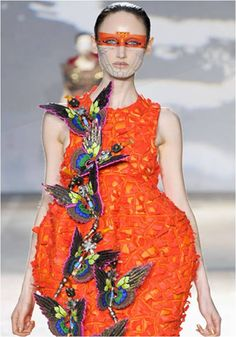 Manish Arora is a well known name in the fashion world. He is among one of the leading Indian fashion designers and needs no introduction. Quirky Fashion, Punk Fashion, Couture Fashion, Fashion Show, Fashion Outfits, Fashion Trends, Butterfly Fashion, Butterfly Dress, Manish Arora