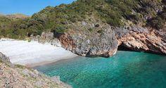 Cala Bianca... Marina di Camerota... Cilento Coast #marinadicamerota #cilento #vacanzealmare #paradise #spiaggepiubelle